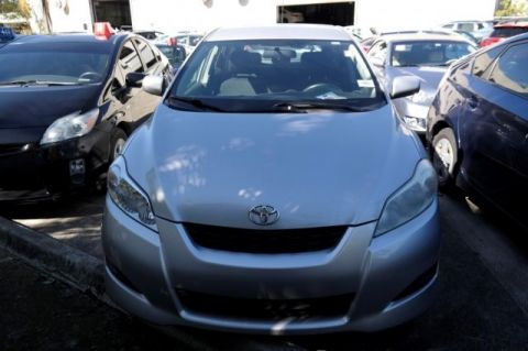 Pre-Owned 2009 Toyota Matrix  FWD 5D Hatchback