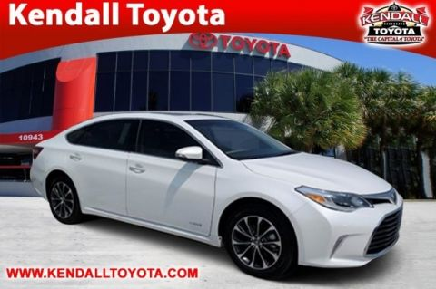 New 2017 Toyota Avalon Hybrid XLE Plus FWD 4D Sedan