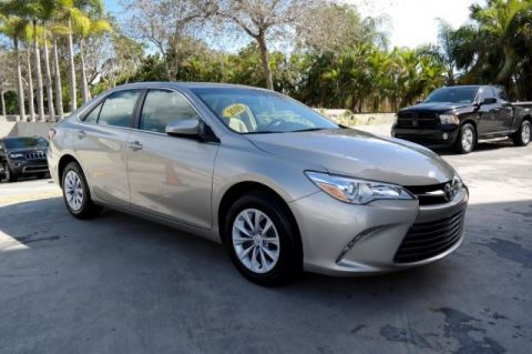 Pre-Owned 2016 Toyota Camry LE FWD 4D Sedan