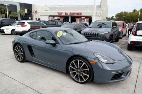 Pre-Owned 2017 Porsche 718 Cayman  RWD 2D Coupe