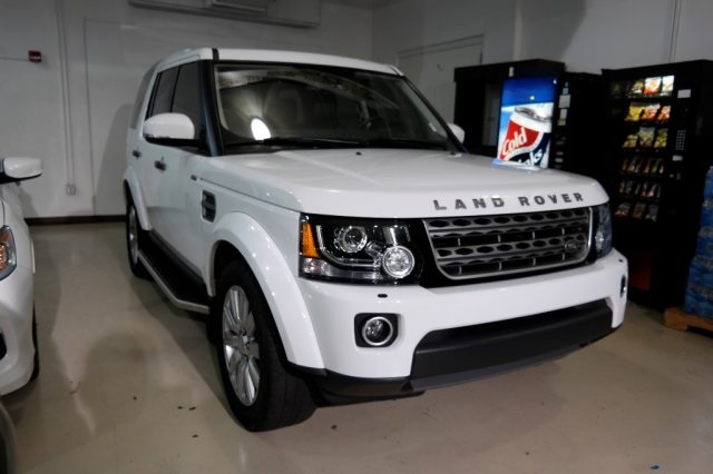 Pre-Owned 2016 Land Rover LR4